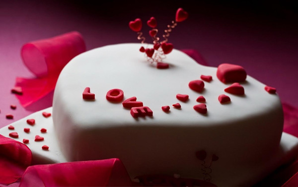 A Beautiful Heart Shaped Cake for Birthday