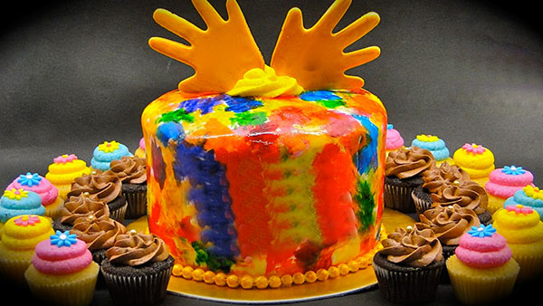 Holi Celebration with A Delectable Cake for Your Loved Ones