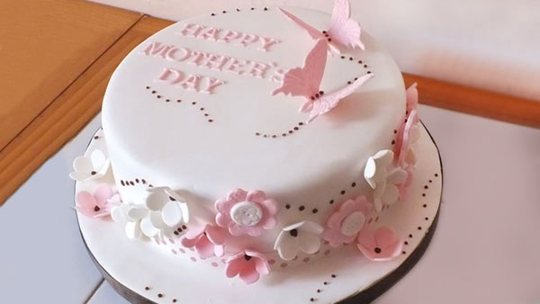 Show Your Love to Your Mother with a Cake on Mother's Day