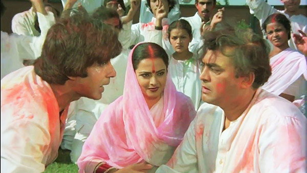 Rang Barse - A popular Holi song from film Silsila