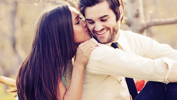Kiss Your Mate on the Cheek Which Expresses Positive Feelings to Your Mate