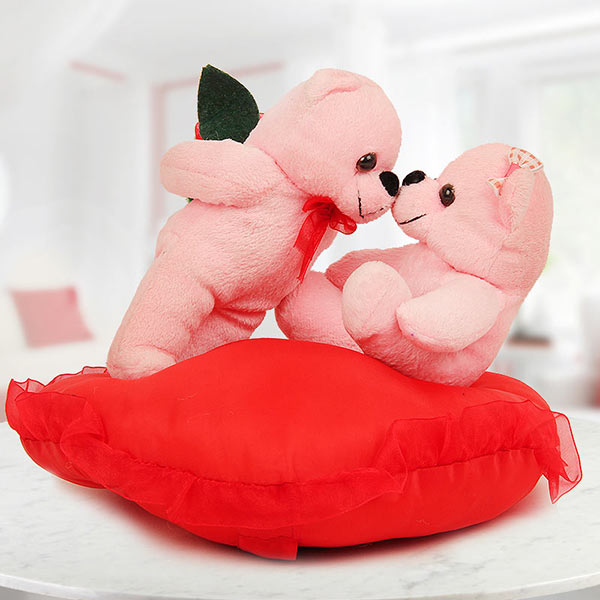 9 Most Romantic Valentine S Day Gifts For Your Girlfriend