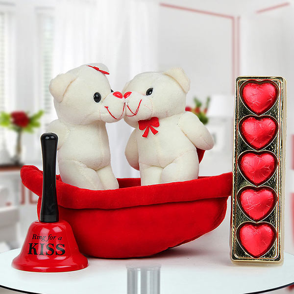 Love-filled Combo of Beautiful Teddies